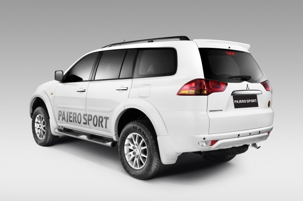 Mitsubishi-Pajero-Sport-Anniversary-Edition-pics-2