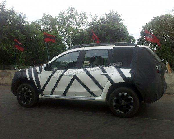 Nissan-Terrano-Duster-launch-pics-price-interiors-15 (2)