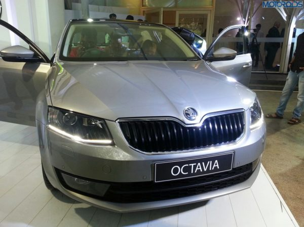 2013-Skoda-Octavia-India-launch-pics-specs-1 (17)