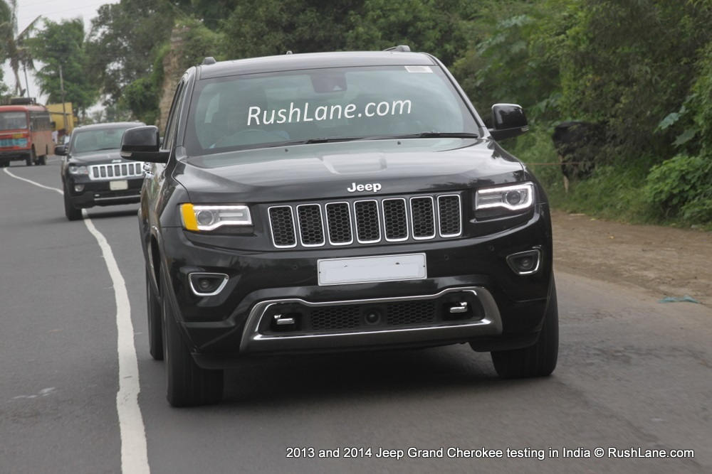 jeep grand cherokee 2014 and 2013 models spotted together in india motoroids. Black Bedroom Furniture Sets. Home Design Ideas