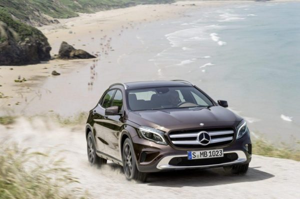 2014-Mercedes-GLA-pics-2