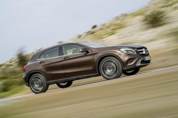 2014-Mercedes-GLA-pics-3