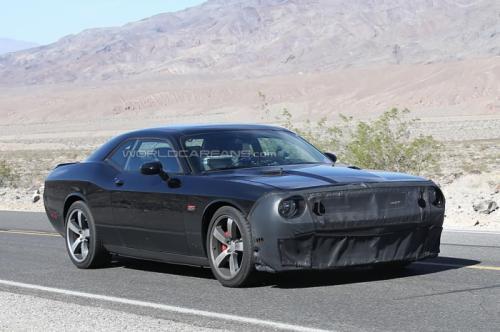 2015-Dodge-Challenger-SRT8-Hellcat- (1)