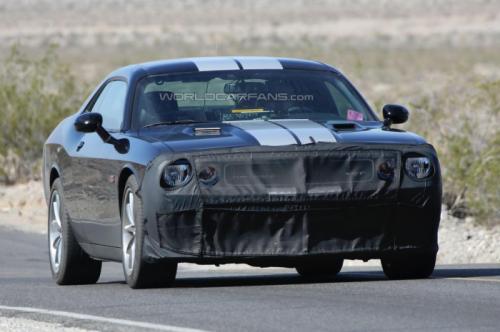 2015-Dodge-Challenger-SRT8-Hellcat- (7)