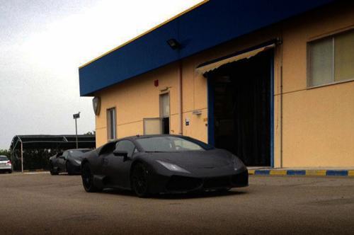 2015-Lamborghini-Cabrera-2