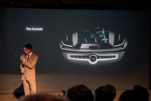 2015-Volvo-XC90-teaser-pic-6