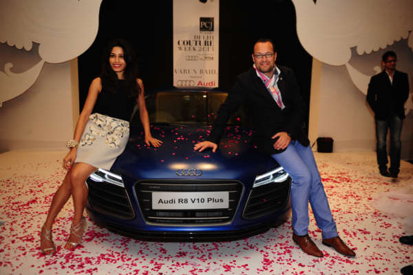 Audi India Head Mr Michael Perschke with global Indian actress Freida Pinto at Audi Autumn Collection 2014 Showcase during Delhi Couture Week (2)