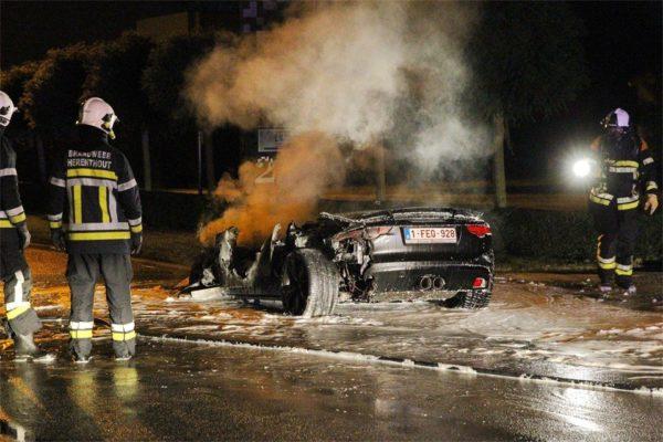 Jaguar-F-Type-fire-incident (10)