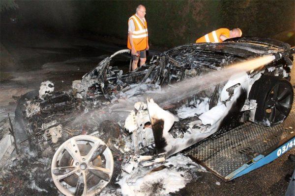 Jaguar-F-Type-fire-incident (12)