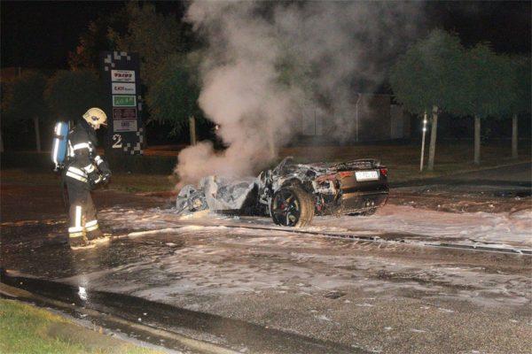 Jaguar-F-Type-fire-incident (6)