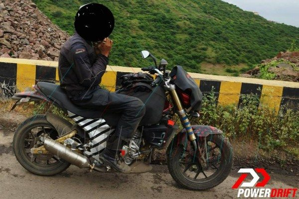 Mahindra Mojo 300 India spy pics (1)