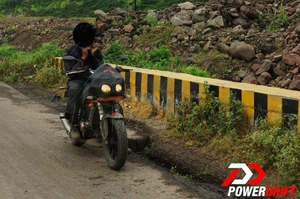 Mahindra Mojo 300 India spy pics (2)