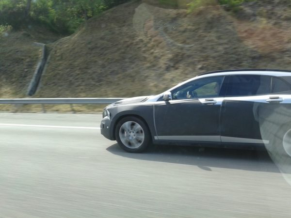 Mercedes-GLA-spied