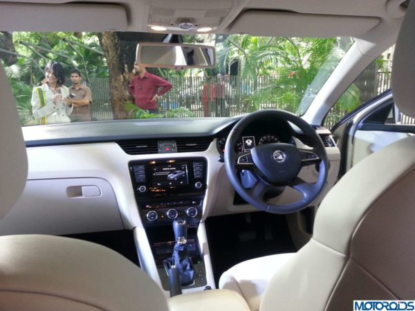 New-Skoda-Octavia-India-Launch-date-pics-images-1 (38)