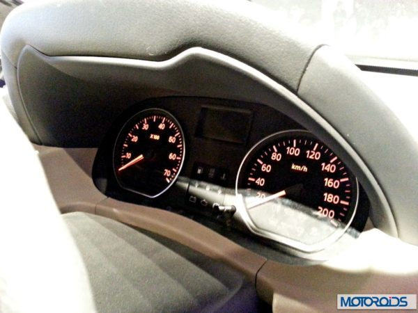 Nissan Terrano images India (3)