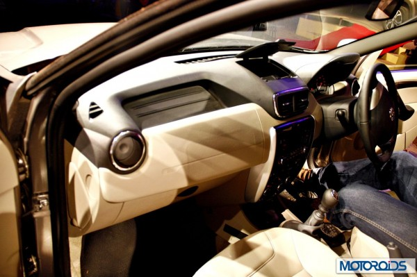 Nissan Terrano images India (57)