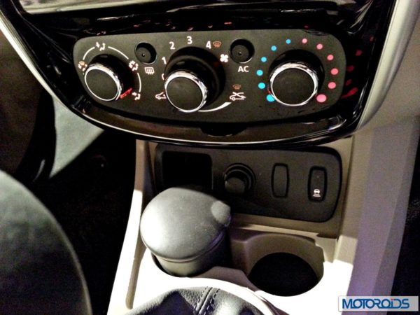 Nissan Terrano images India (6)