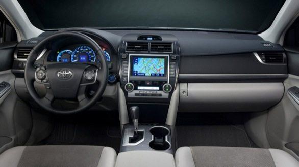Toyota-Camry-Hybrid-pics-launch-brochure-4