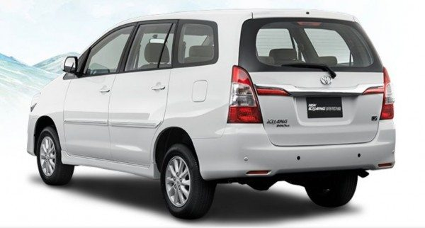 Toyota-Innova-Facelift-india-launch-2