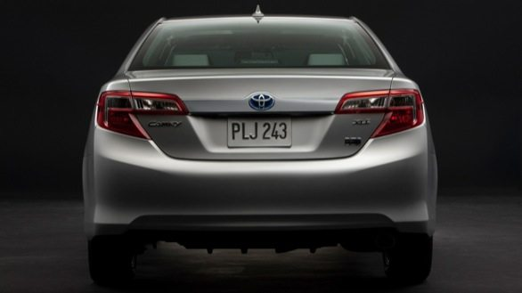 Toyota_Camry_Hybrid_India-launch-5