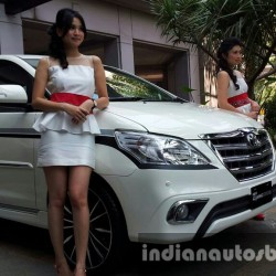 Toyota Innova facelift 2013 launched in Indonesia. India launch likely to happen in early 2014