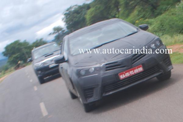 2014-Toyota_corolla_india_launch_1