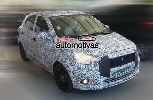 2015-Next-generation-Ford-Figo-spied-side (2)