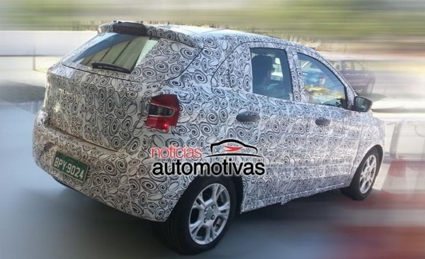 2015-Next-generation-Ford-Figo-spied-side (3)