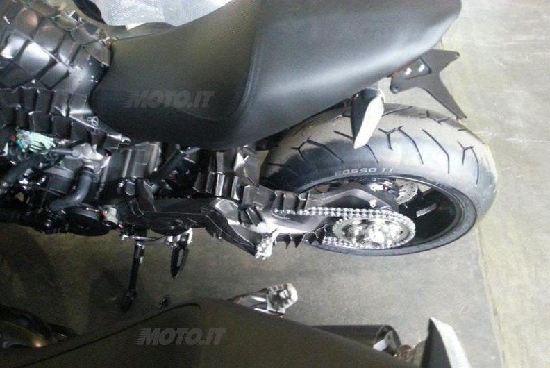 Ducati Monster 1198 (4)
