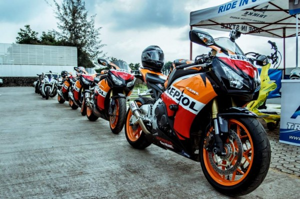 Honda Big Bike Ride- Mumbai to Nasik-Sula Vineyards-CBR250R Repsol Edition