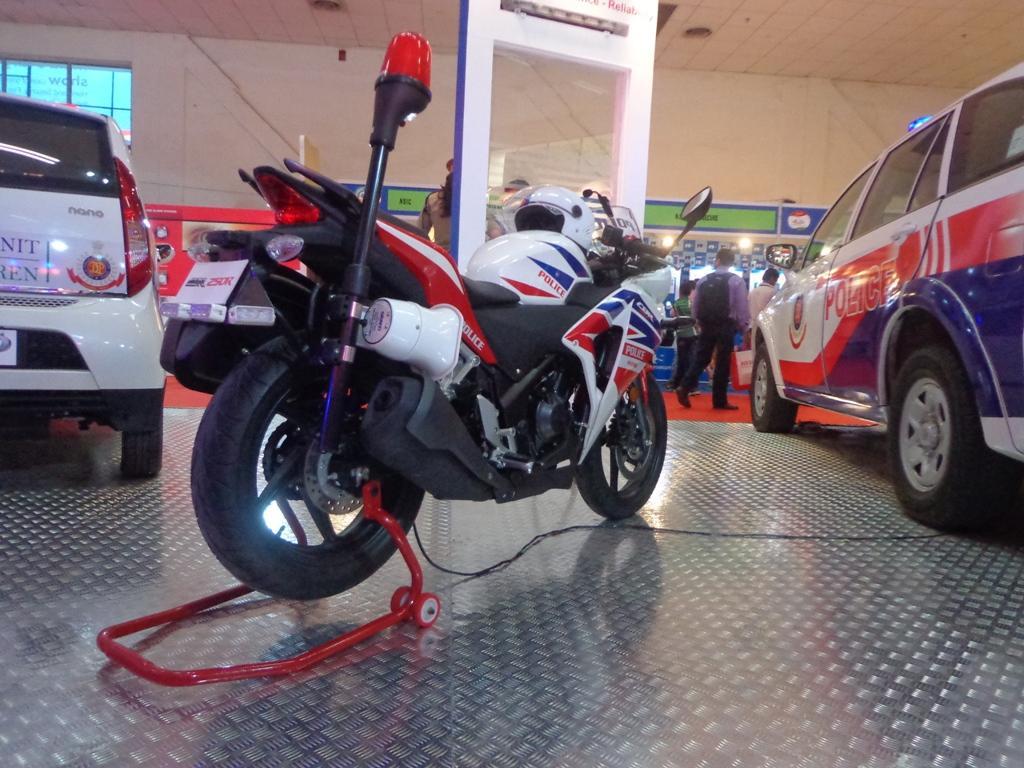 Honda CBR 250R Police motorcycle-2