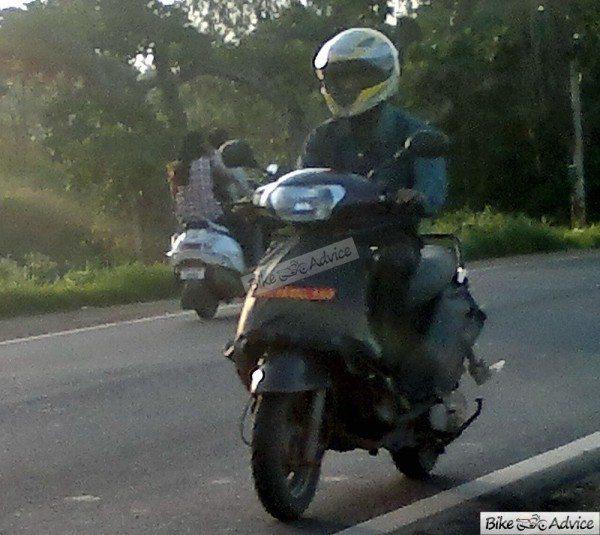 Mahindra-301-automatic-scooter-3