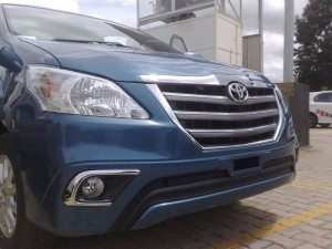 Toyota-Innova-Z-facelift-India-launch-Pics-1