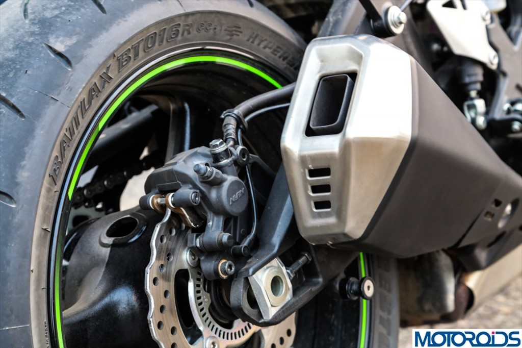 2013 Kawasaki Ninja ZX10R Review (3)