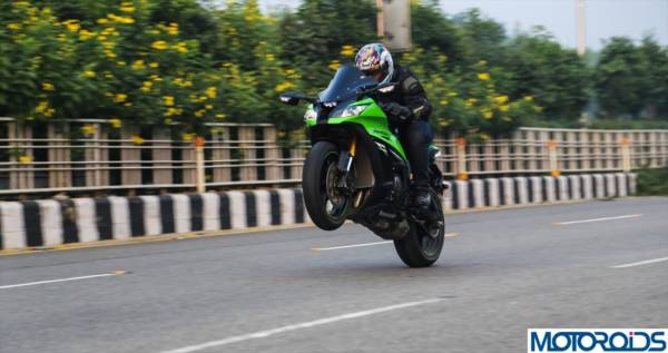 2013 Kawasaki Ninja ZX10R Review (35)