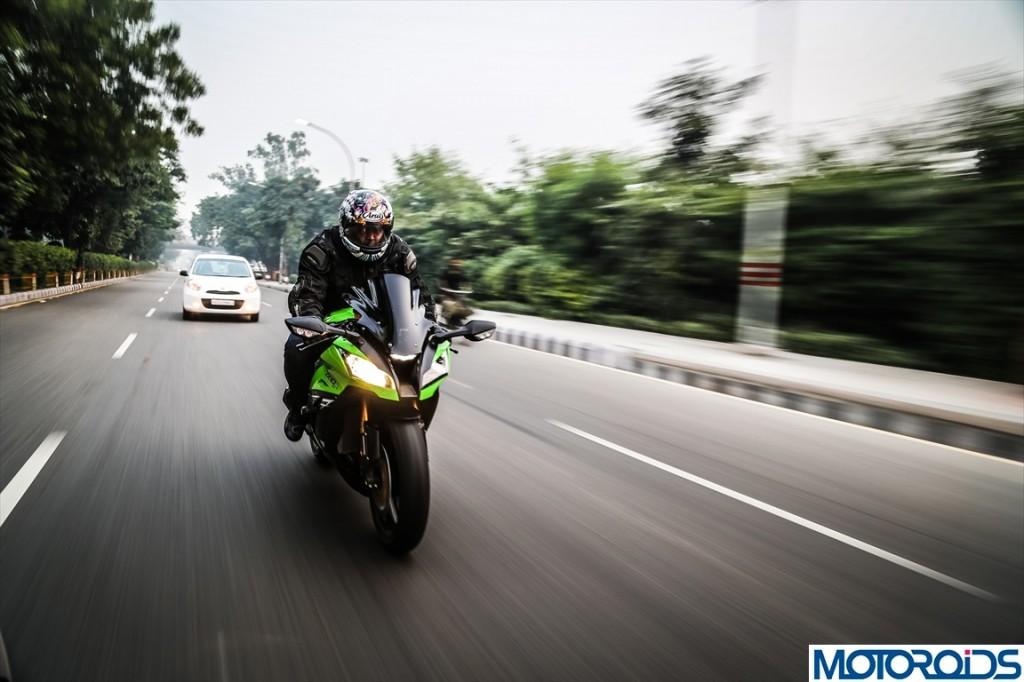 2013 Kawasaki Ninja ZX10R Review (59)