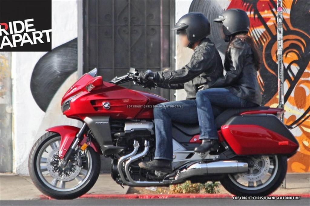 2014 Honda CTX1300 (1)