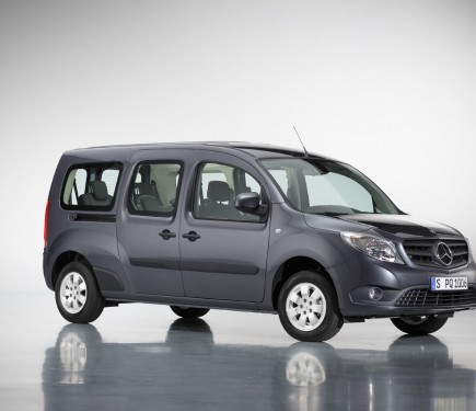 mercedes benz citan crewbus revealed motoroids. Black Bedroom Furniture Sets. Home Design Ideas