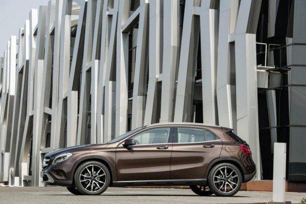2014-Mercedes-GLA-pics-1