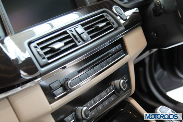 BMW 2014 5 series facelift India (5)