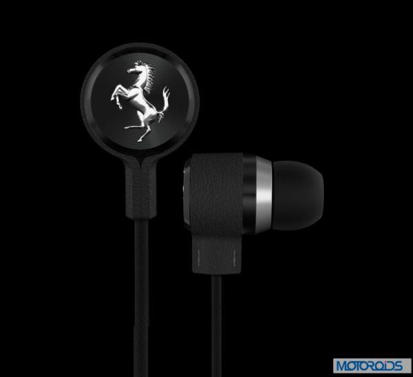 Ferrari T 150 earphones (1)