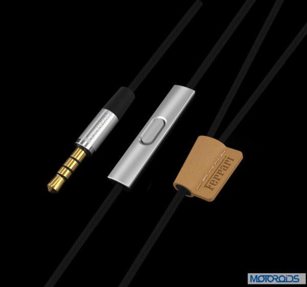 Ferrari T 150 earphones (3)