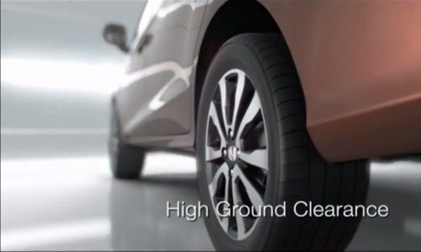 Honda-Mobilio-ground-clearance-pics