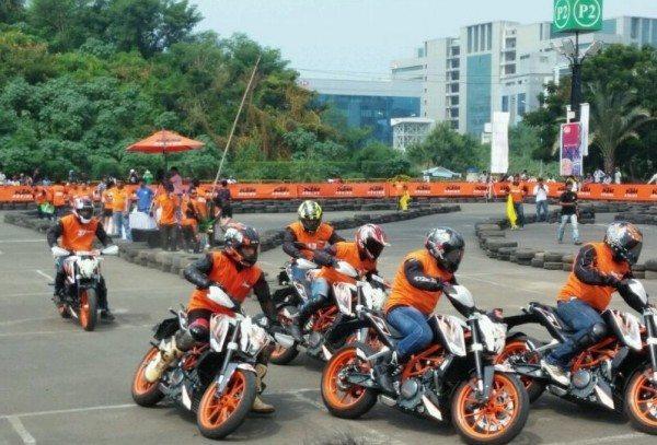 KTM -Orange Day Pics
