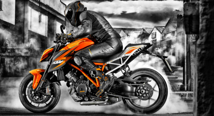 KTM 1290 SuperDuke R: Official pictures and specifications revealed