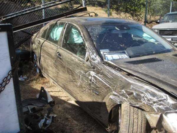 Mercedes-S-Class-accident-3