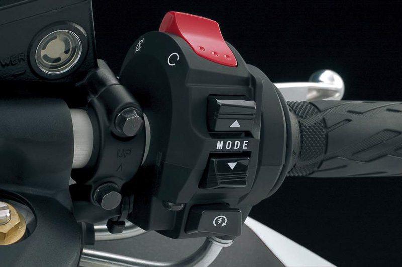 Suzuki Hayabusa Special Edition Traction Control-4