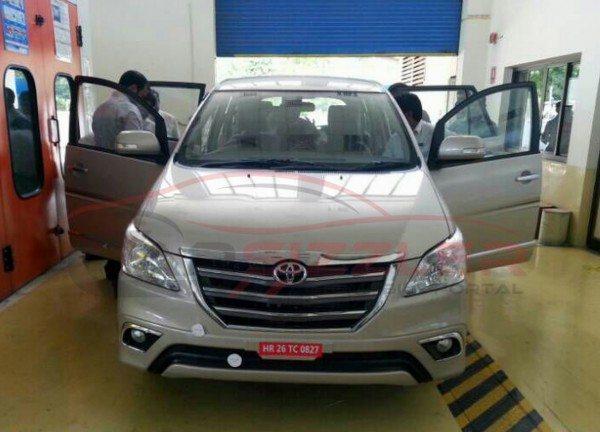 Toyota-Innova-facelift-India-launch-pics