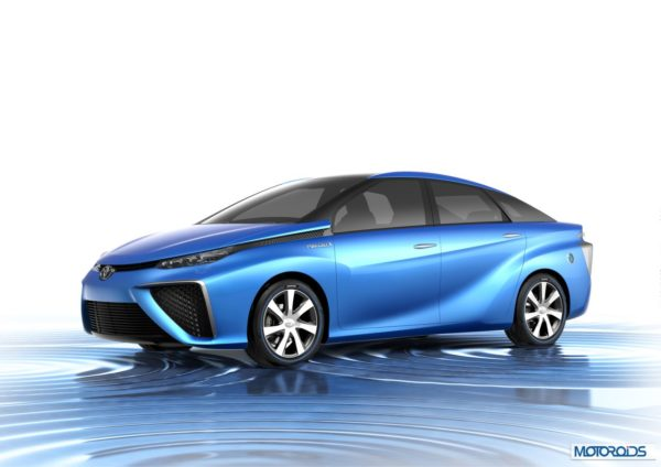 051113-1-toy-Toyota_Fuel_Cell_Vehicle_Concept