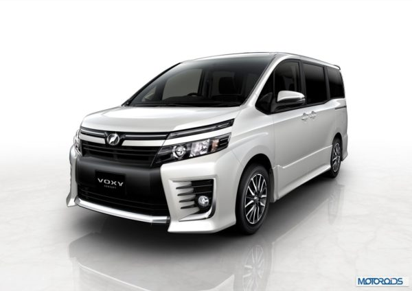 051113-1-toy-Toyota_Voxy_Concept